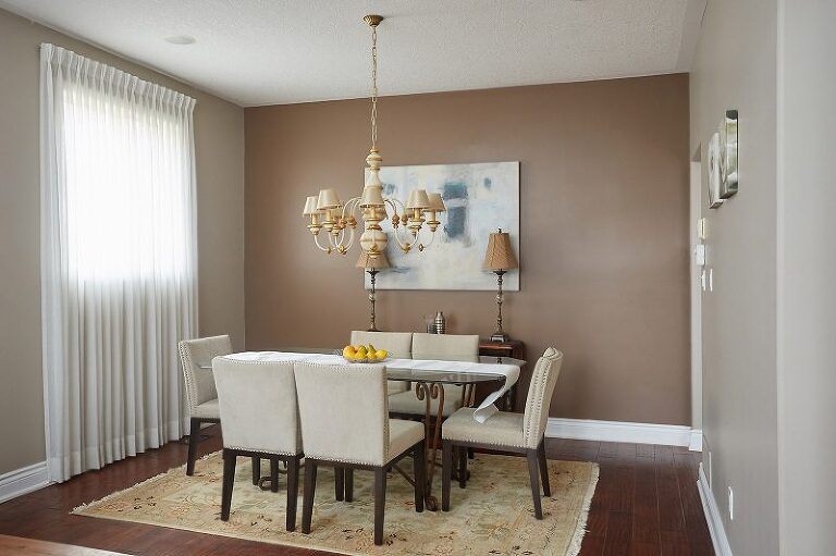 Private residence dinning room